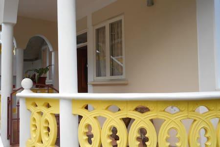 CELIA'S VILLA CASTLE COMFORT - Casa