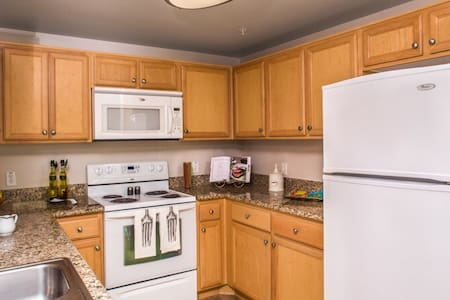 Beautiful private room in apartment - Oxnard - Apartment