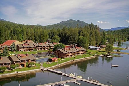 Waterfront cabin(s) on beautiful Lake Pend Oreille - Kondominium