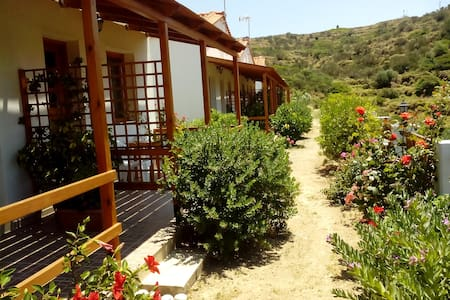 Nature lovers private room at FAROS IKARIA - Exo Faros - Bed & Breakfast