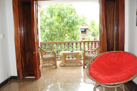 Comfy deluxe room in Battambang - Vendégház