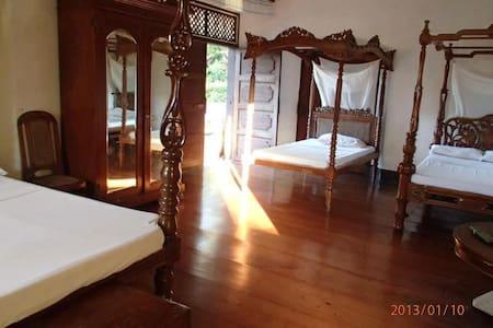 Villa Angela Heritage Spacious Cuarto delos Hijos - Vigan City
