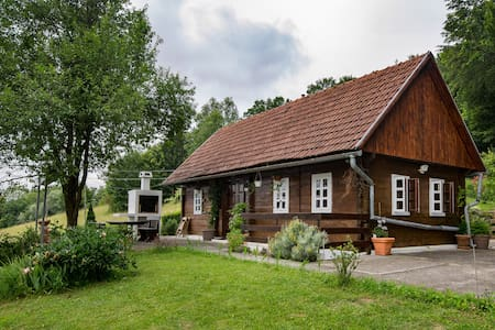 'Hizica' - small wooden house in the countryside - House
