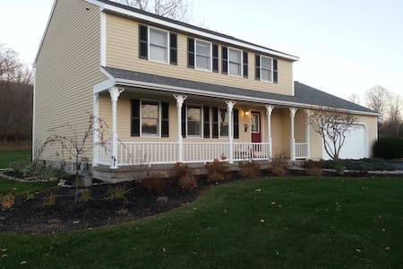 Beautiful Caz Home, Come & Enjoy! - Cazenovia - House