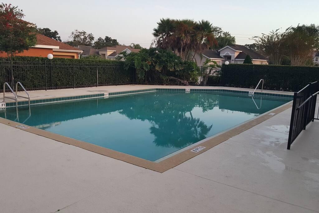 Very spacious pool