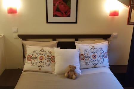 Chambre confort Aux Délices d'Élise - Dives-sur-Mer - Bed & Breakfast