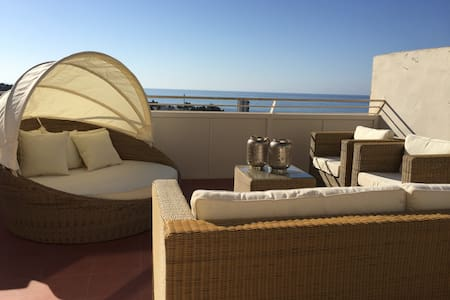 Penthouse, large terrace w/view, booking for 2017 - Apartemen