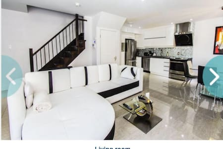 Luxurious 2 floors condo of 1200sqf - Laval - Appartement en résidence