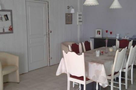 Maison de charme dans la petite suisse du nord - House