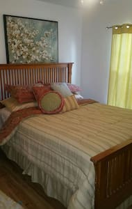 1 Queen size bedroom - Webster