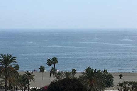 Large Spanish apartment with panoramic sea views - Estepona - Apartment
