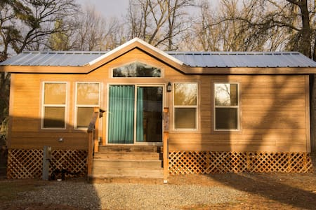 Brand New Yosemite Wood Cabin 3 - Stuga