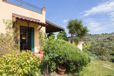 GARDEN VILLA WITH AIR CONDITIONING AND SEA VIEW - Diano Marina