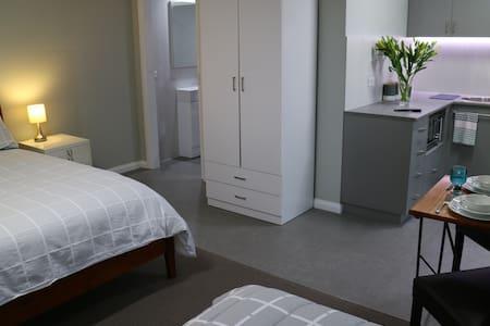 Garden studio apartment - Benalla - Wohnung