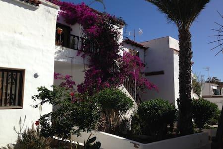 Apartment on South of Tenerife  - Santa Cruz de Tenerife - Blockhütte
