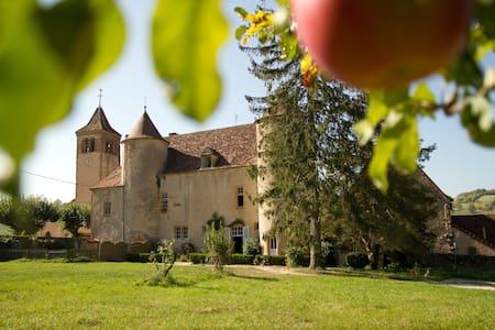 Gîte du château d'Oyé - La Clayette
