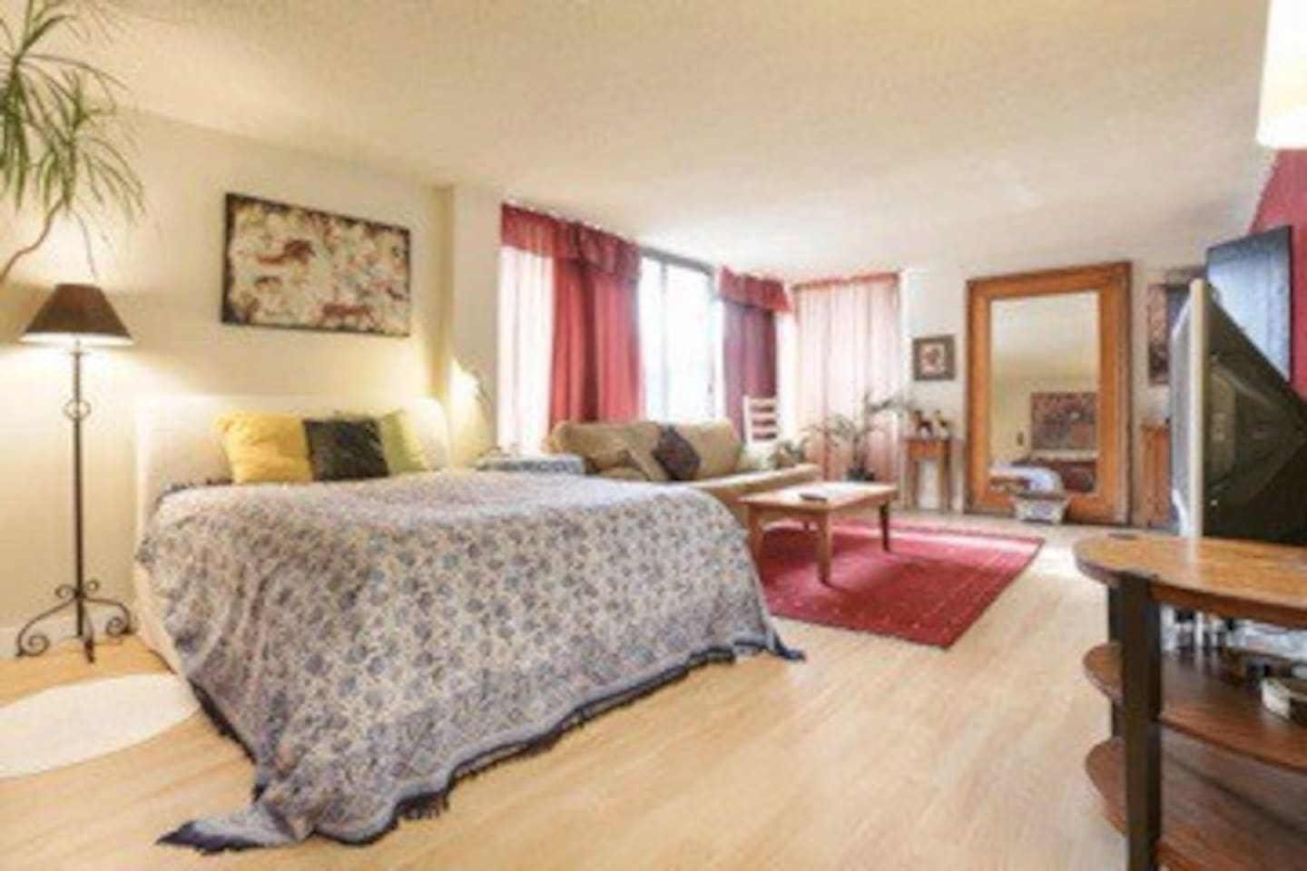 Super large room, bright and completely separate from other two bed rooms.