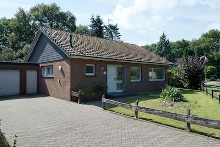 Beltvilla 'Haus an der Heide' - Maison