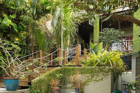 Your Balcony Retreat at Ob Shanti - Nassau - House