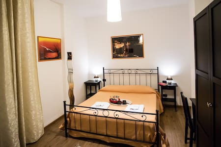 Queen room,near Rome.VILLA ADRIANA - Bed & Breakfast