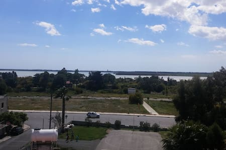 Salt lake view in larnaca - Bed & Breakfast
