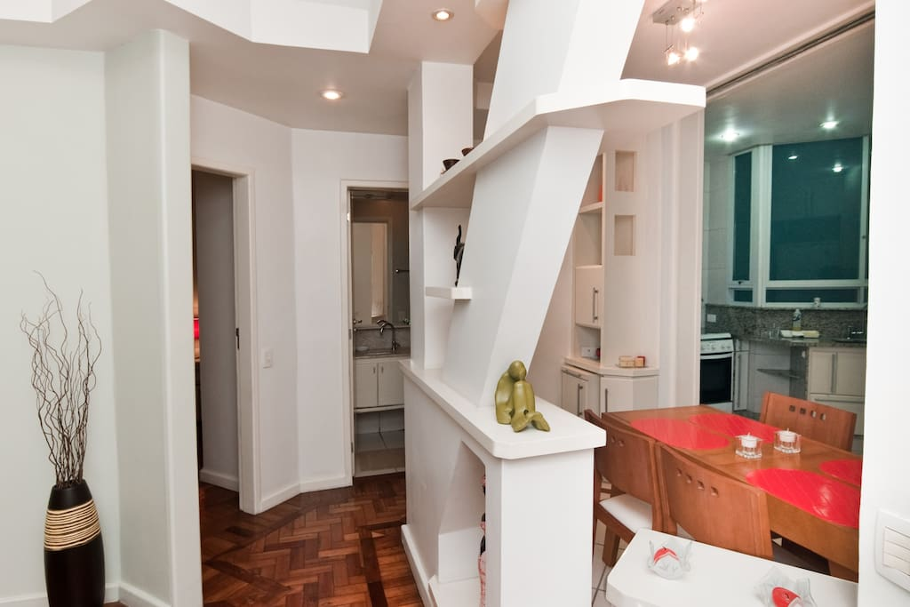 CHARMING IPANEMA APT STEPS TO BEACH
