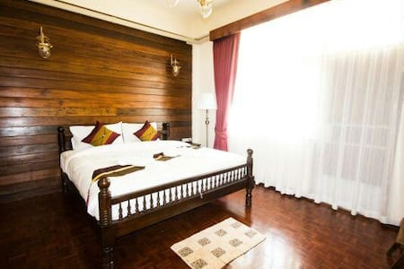 City center double bed breakfast - Chiang Mai - Bed & Breakfast