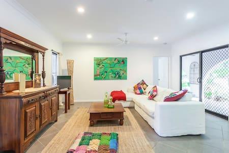 Hartleys Creek Retreat Cairns Apt 1 - Apartment