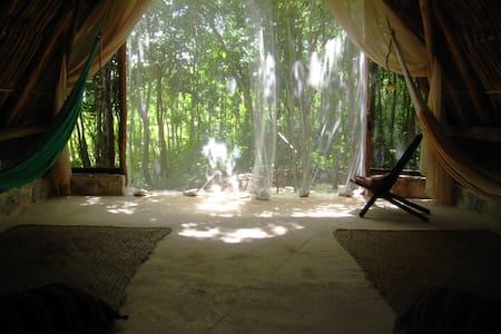The MAYAN room experience - Zomerhuis/Cottage