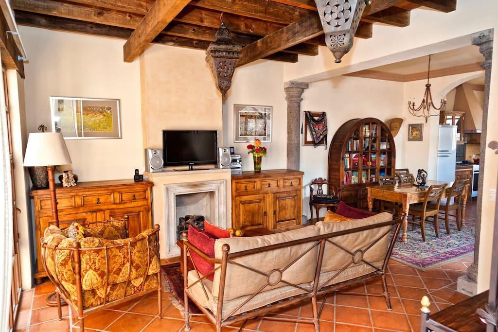 Elegant San Miguel Home &Art Studio