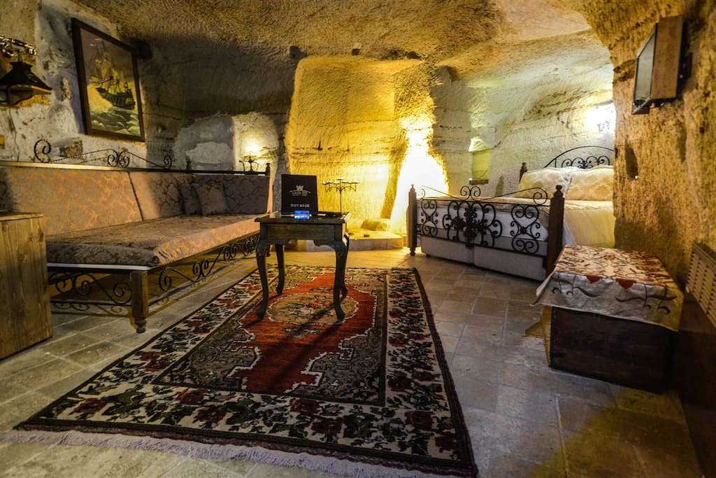 An original cave room (Ask for the rate)