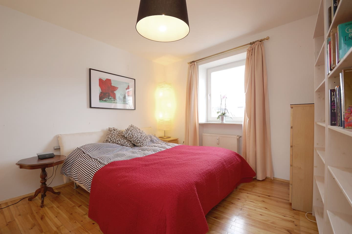 Bright and large bedroom with 200 x 200 cm bed