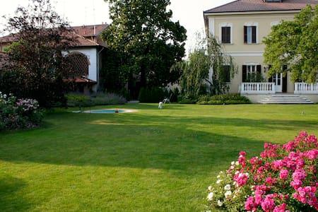 Splendida Villa Umberto - Abbiategrasso