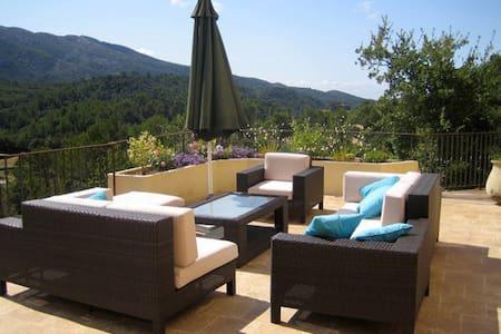 B&B dans magnifique Villa avec vue exceptionelle - Bed & Breakfast