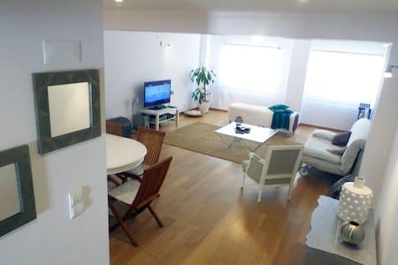 Spacious and comfortable apartment - Lisbon