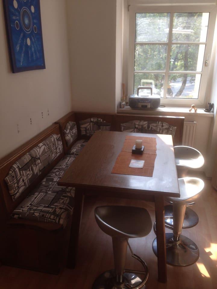 gemütliche Sitzecke für mind. 4 Gäste ;)