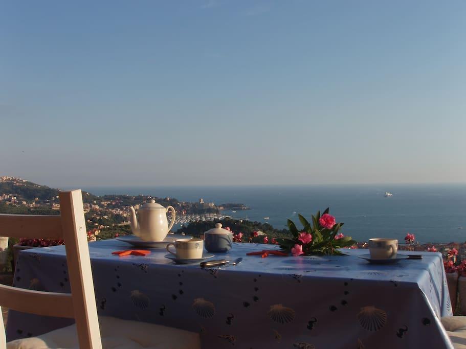 Elegant Villa with amazing sea view