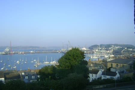 Lovely Single Room & Stunning Views - Falmouth - House