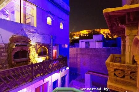 THE BLUE HOUSE..Oldest Guest House - Jodhpur - Inap sarapan
