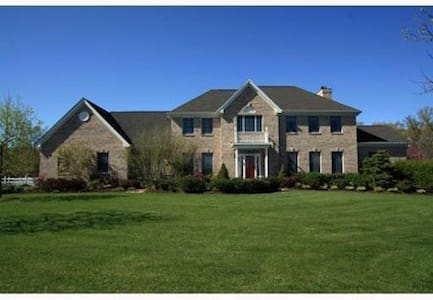 Luxury House in Princeton Area - Plainsboro Township - Dům