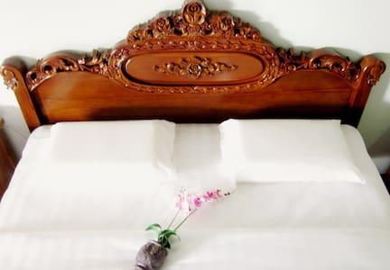 Spacious Double Room in Borneo! - Szoba reggelivel