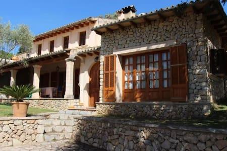 Casa rustica con piscina en la montaña - Mancor de la Vall - Villa