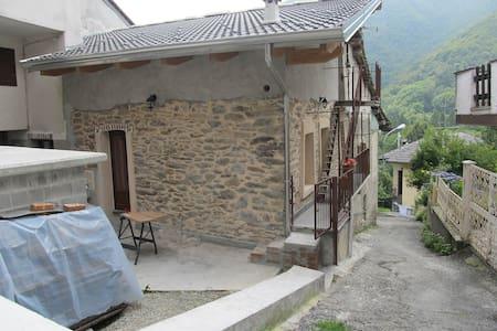 Alpette appartamento in rustico - Alpette - Blockhütte