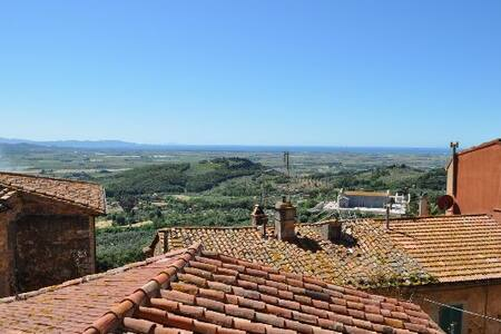 Tuscany: sea/country and history  - Campiglia Marittima
