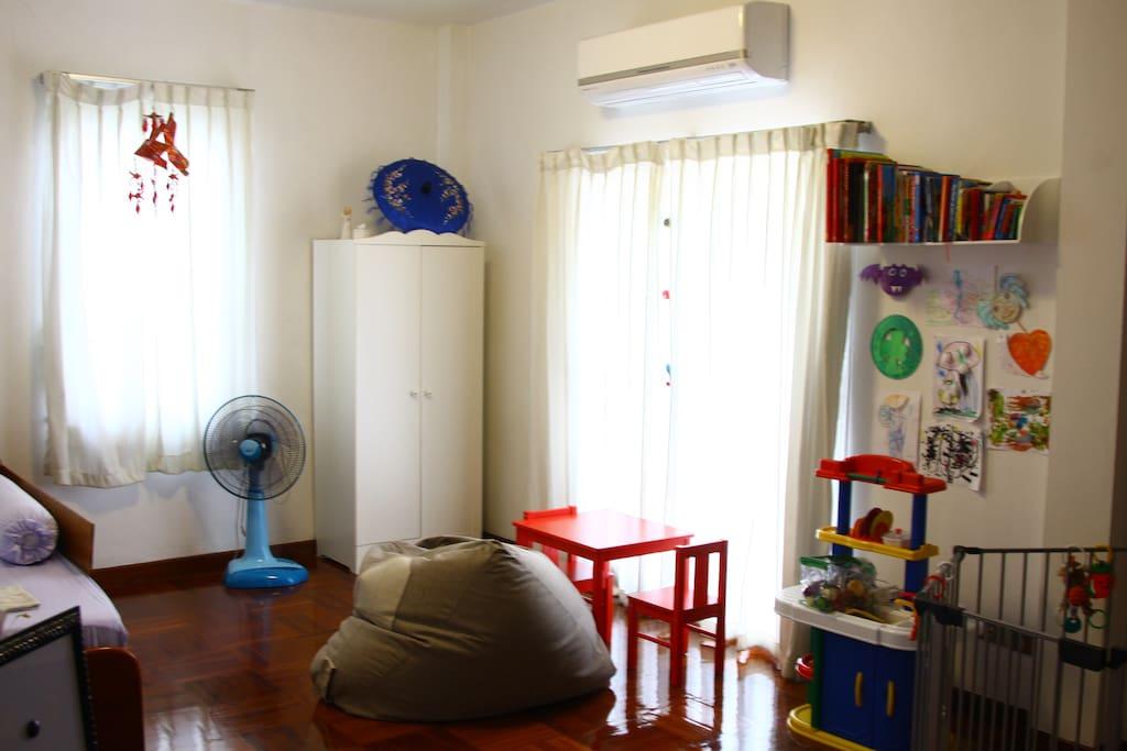 Guest bedroom #3 (child room)