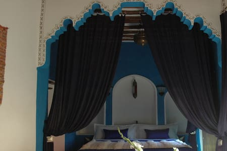 Majorelle blue lovely private suite