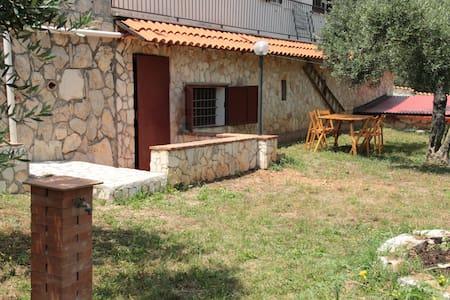 Appartement avec terrasse et piscine - Apartment