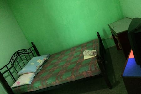Comfy Room in the City - Iloilo City - House