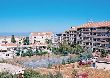 *Ehden, Lebanon, Hotel #2 /6067 - Lakás