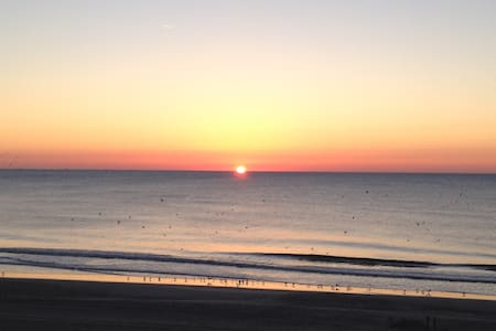 Amazing Views Oceanfront 3BR Condo!